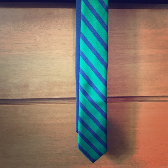 Tommy Hilfiger Other - Tommy Hilfiger Striped silk tie in Green and Navy